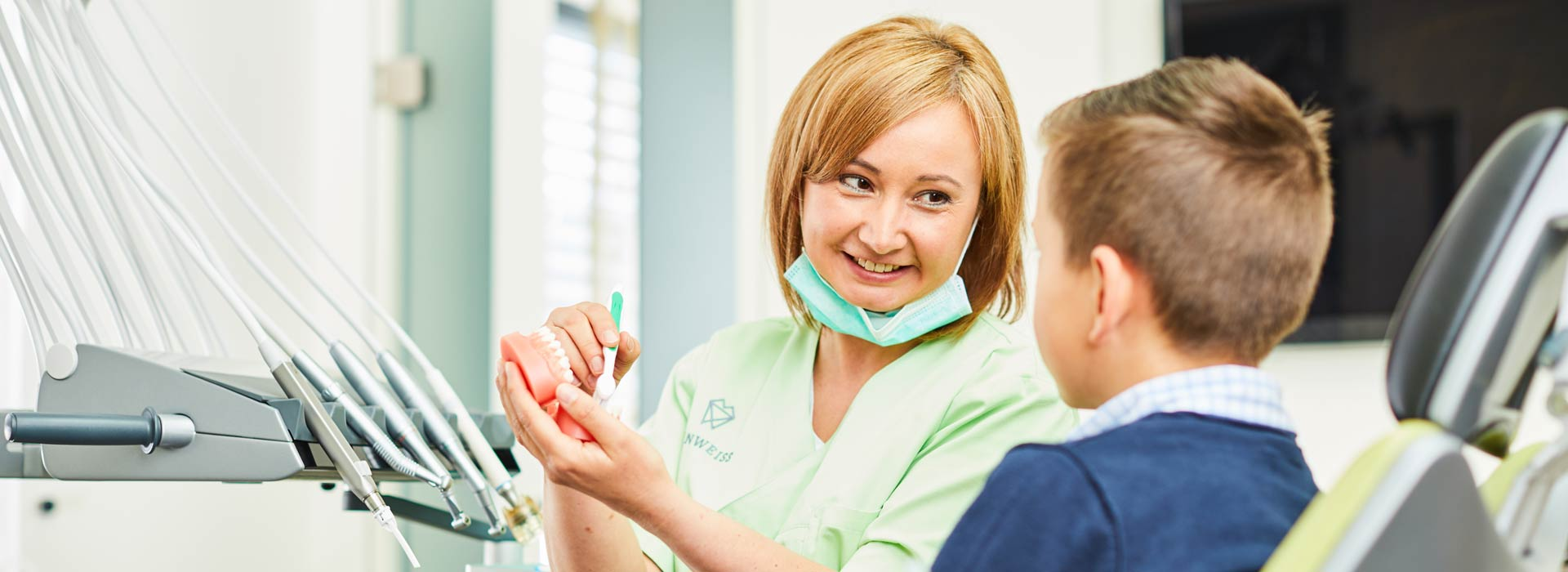 ZAHNWEISS – Praxis für moderne Zahnmedizin - Prophylaxe 1